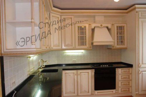 Кухня Афина, массив ясеня, столешница - иск.камень