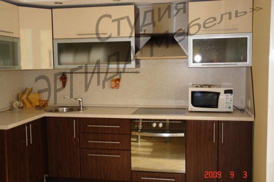 Коричневая кухня из МДФ