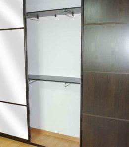 Встроенный 3-х дверный шкаф купе