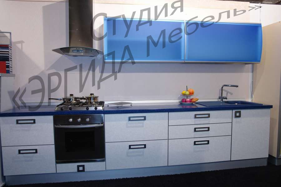 Кухня с фасадами из немецкого пластика