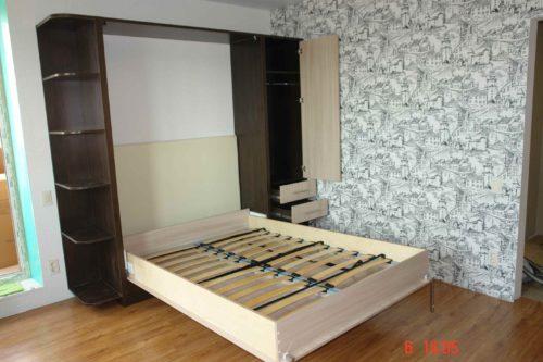 Шкаф кровать с итальянским механизмом и мягкой кожаной спинкой