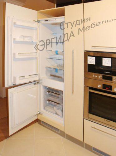 Встроенный холодильник и бытовая техника