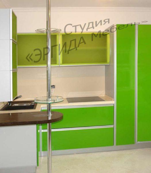 Пластик - КОЛОР ОФФ, верхние шкафы - акриловое стекло