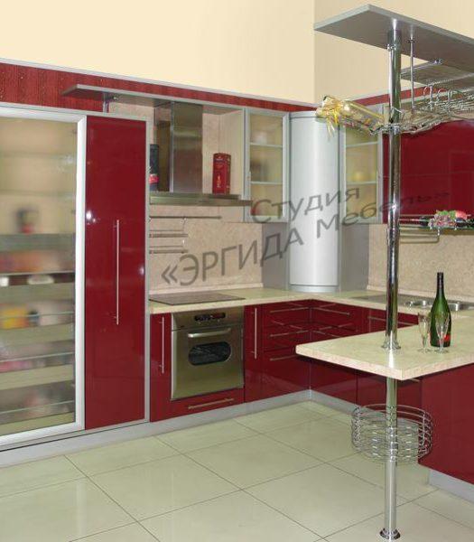 Кухня пластик с пеналами, ПУШ-полкой, барной стойкой